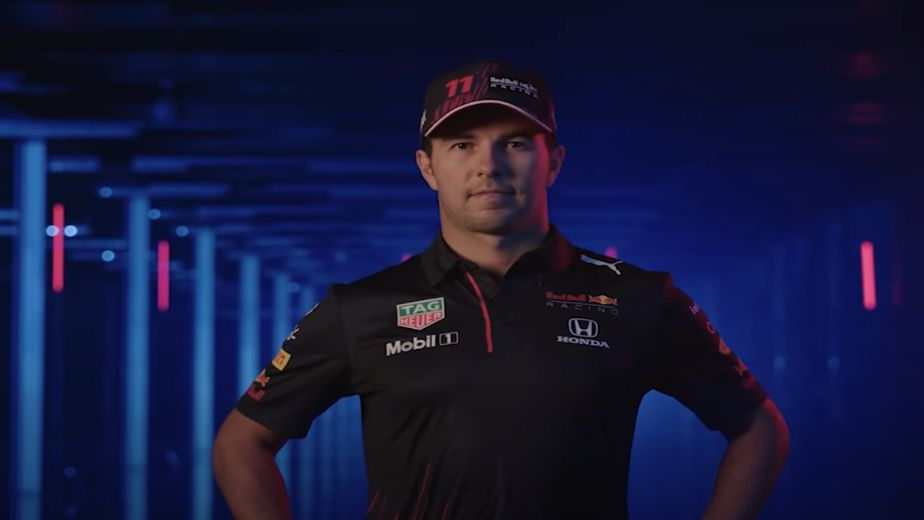 Sergio Perez signs a new contract with Red Bull for the 2022 Formula 1 season