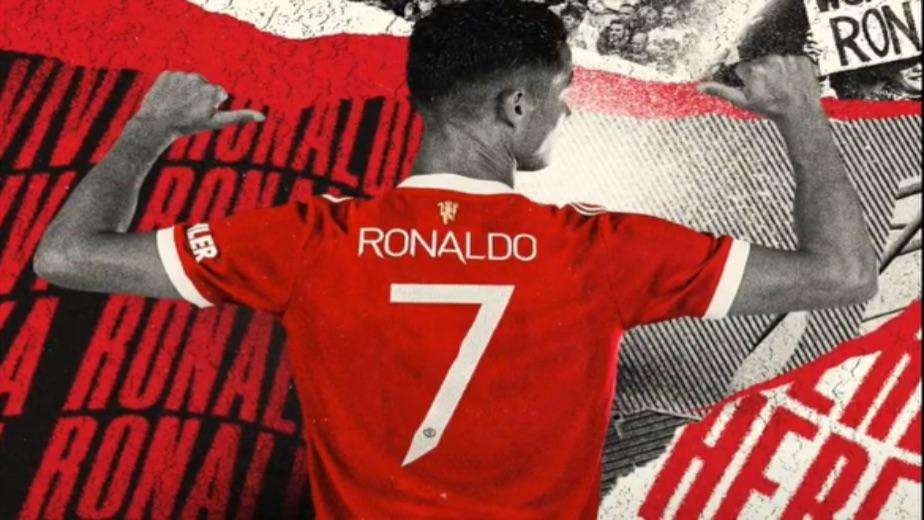 Back where it belongs: Cristiano Ronaldo reunited with the iconic number 7 Manchester United jersey