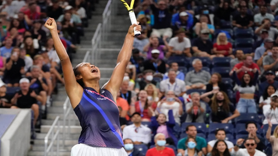 Novak Djokovic four victories away from making history at the US Open, Leylah Fernandez knocks out Angelique Kerber in fourth round clash