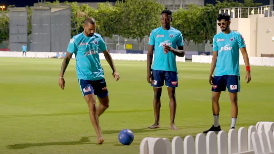Shikhar Dhawan and Kagiso Rabada hope to carry their form in UAE as Delhi Capitals sit on top