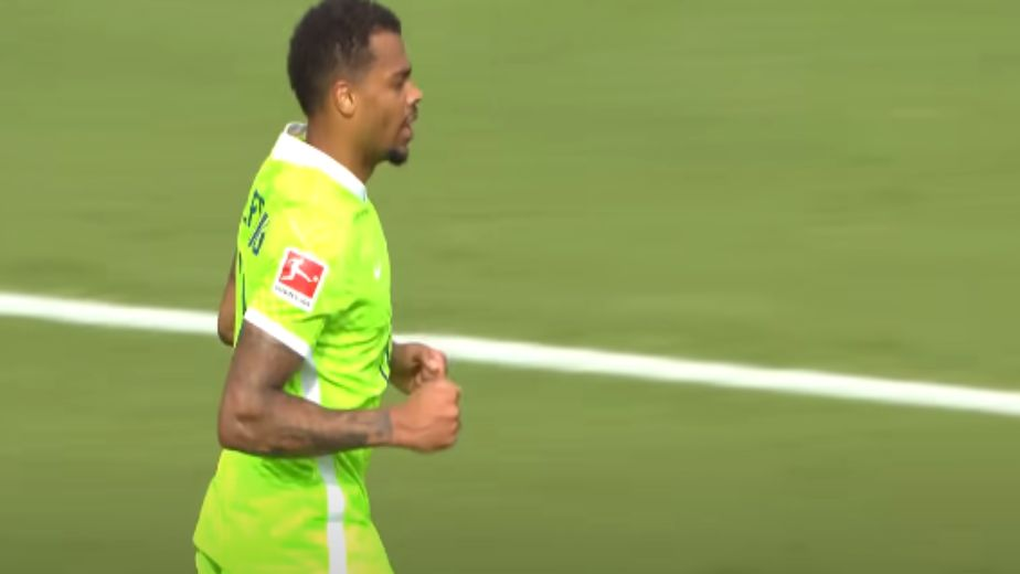 Bundesliga: Wolfsburg look to extend their lead at the top as Bayern and Dortmund look for three straight victories