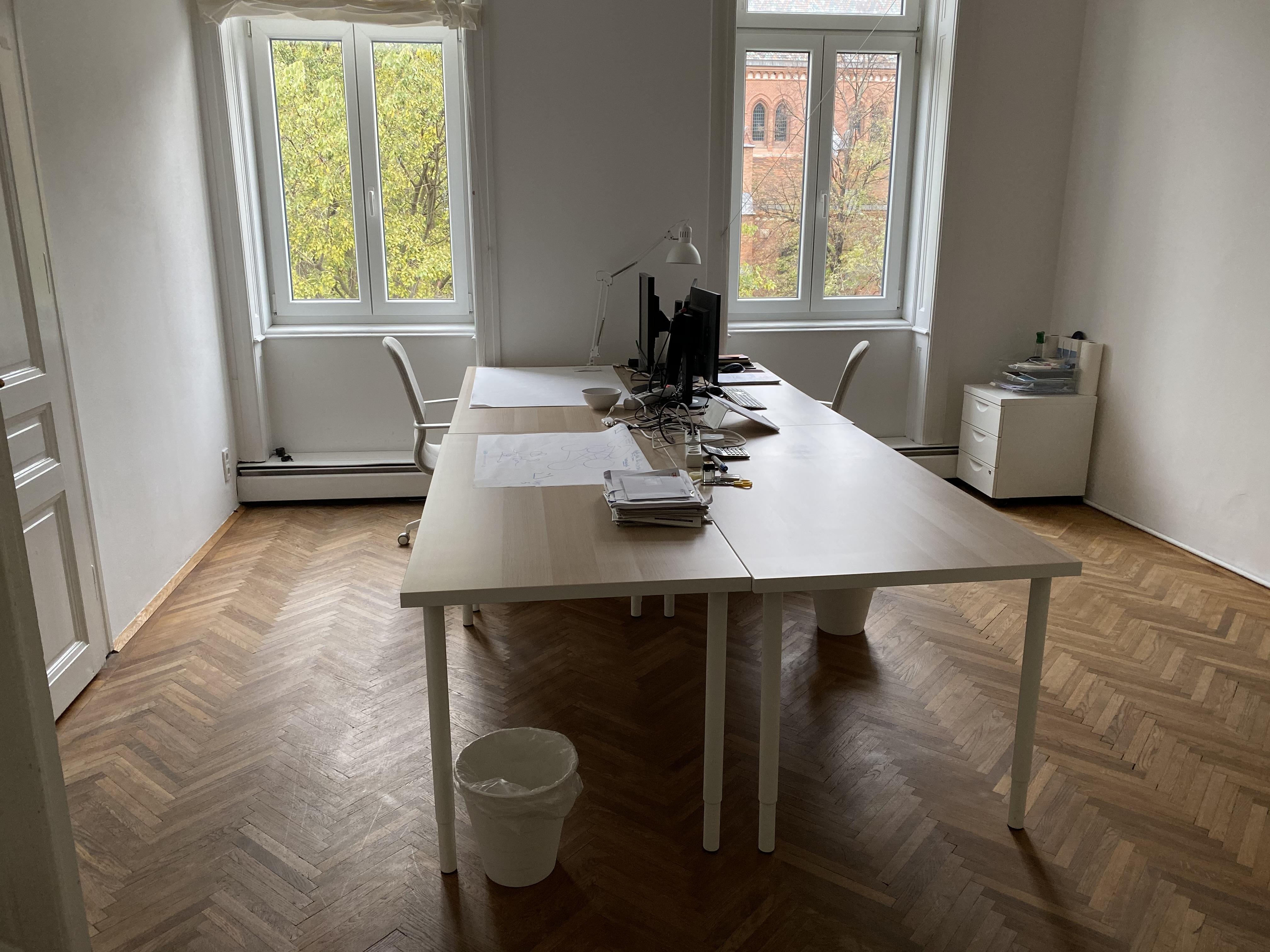 Eigenes 22m² Büro mit Blick ins Grüne!
