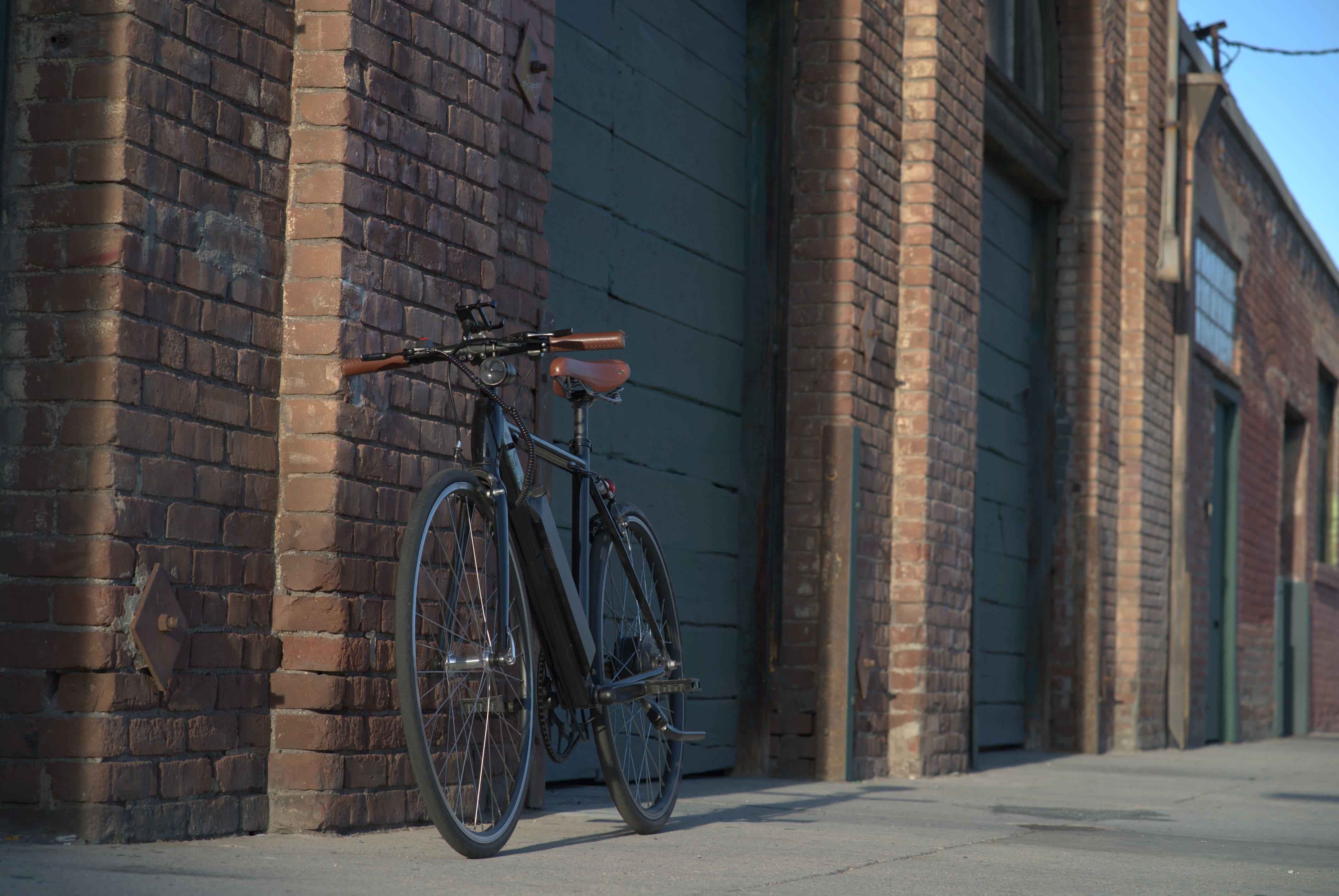 Calibike 33c3: A state-of-the-art ebike (fastest electric bi