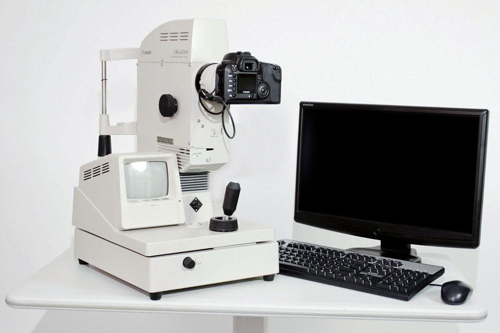 Canon CR-6 Non-Mydriatic Fundus Camera (Pre-Owned)