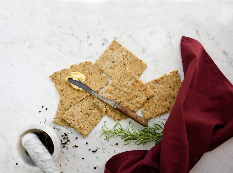 Mediterranean keto flatbread