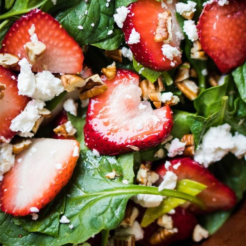 Whole30, Paleo & Keto Strawberry Spinach Salad