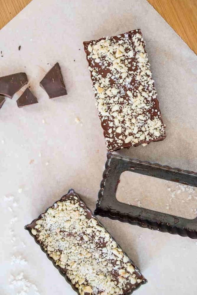 Keto Dark Chocolate Macadamia Sea Salt Bars (Fat Bombs)