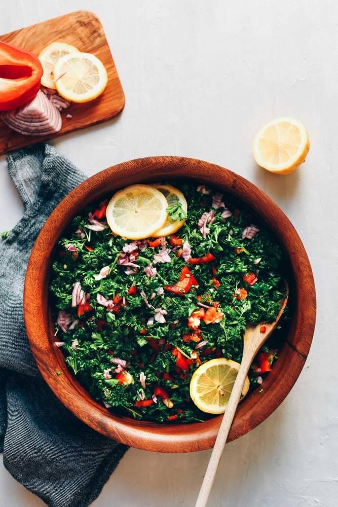Grain-Free Tabbouleh Salad (6 Ingredients!)