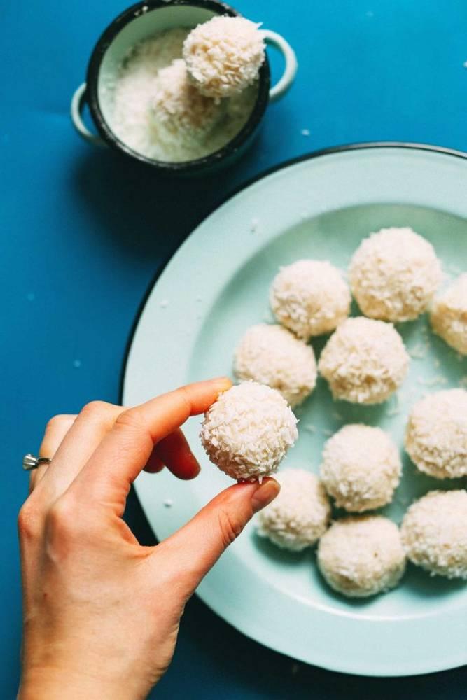 5-Ingredient White Chocolate Truffles