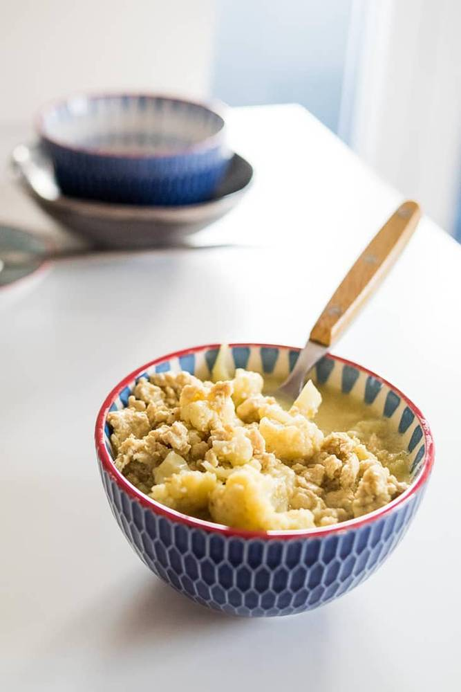 4-Ingredient Keto Chicken Curry Recipe