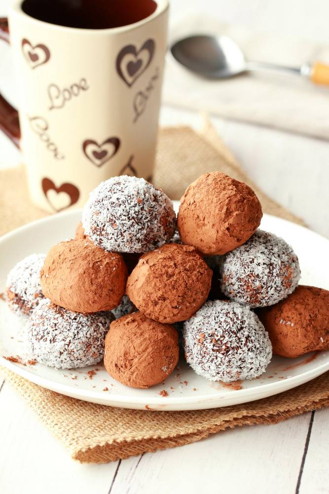 Easy No-Bake Vegan Truffles
