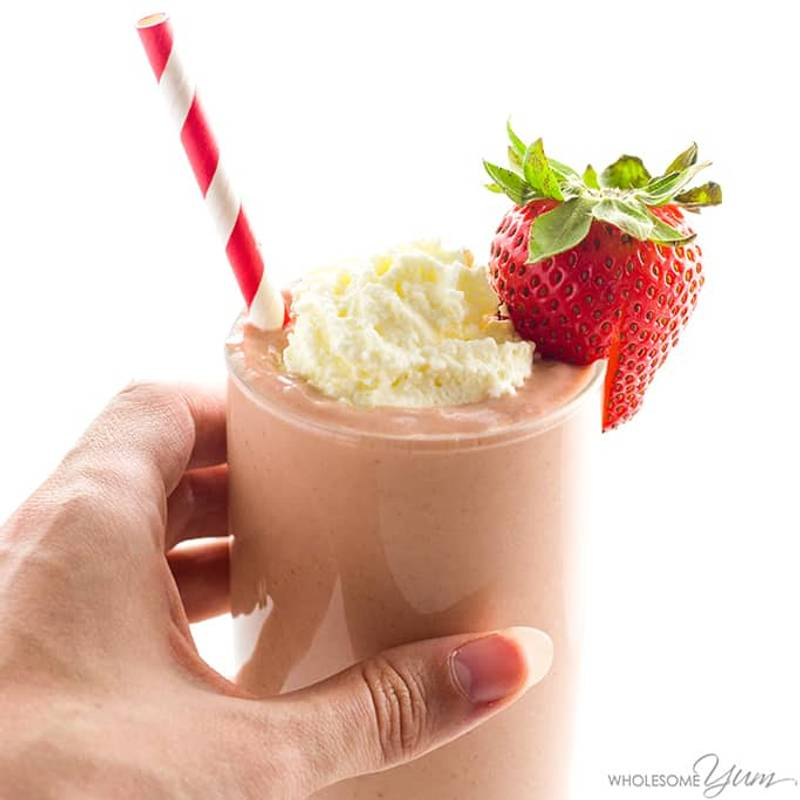 Strawberry Avocado Keto Smoothie Recipe with Almond Milk - 4 Ingredients