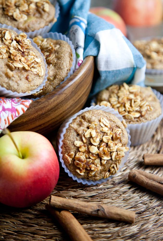 Oil-Free Apple Cinnamon Muffins with Spiced Maple Crumble Topping