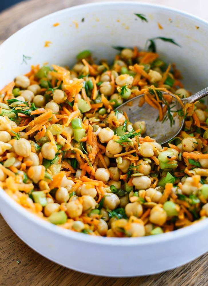 Chickpea Salad with Carrots and Dill