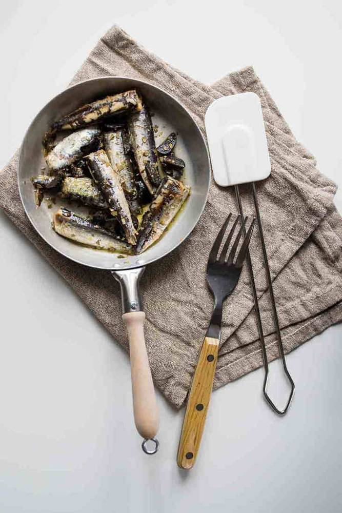 Five-Minute Keto Fried Sardines Recipe with Olives