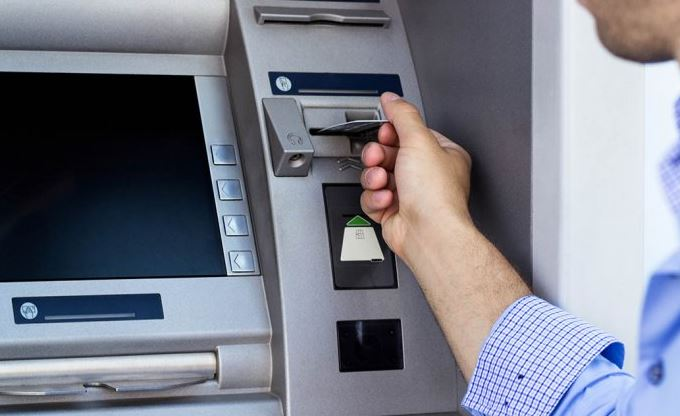 ATM'LER UMUMİ TUVALETLER KADAR KİRLİ!