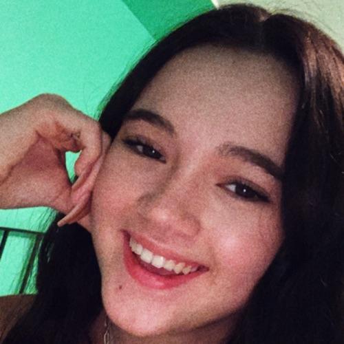 @fionafrills's profile photo