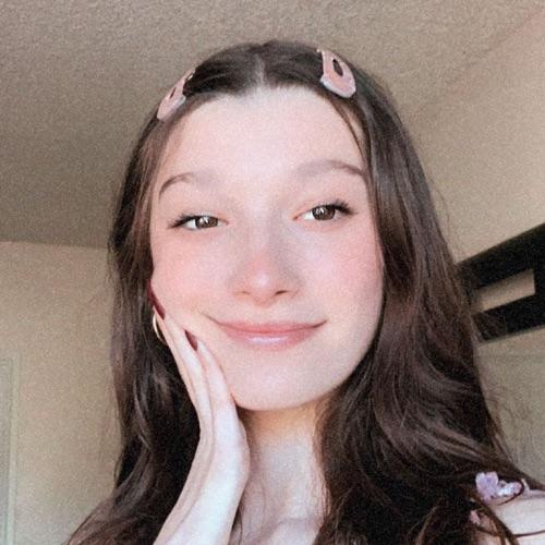 @angelinaa's profile photo