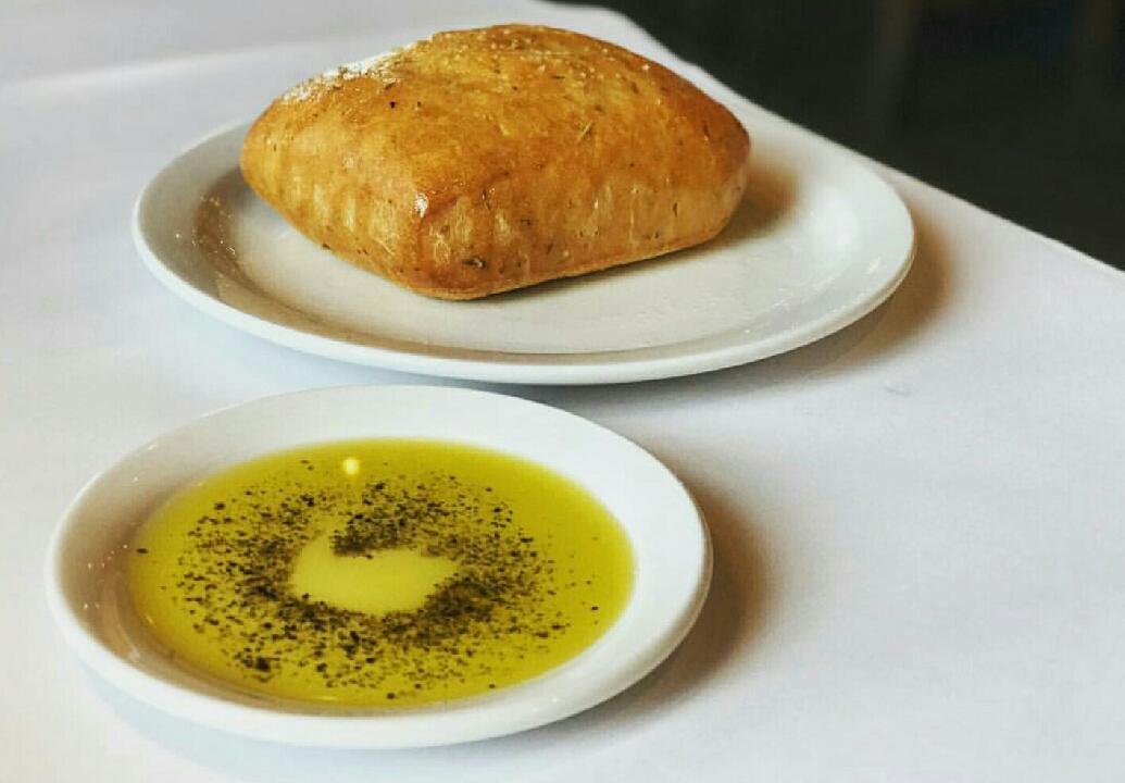 Italian n #vino & fresh baked bread