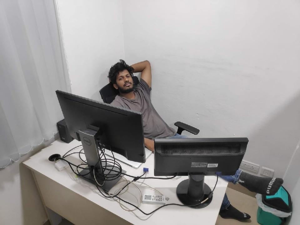 Akhil Raj Arimbra (@akhilfromtalkomi)
