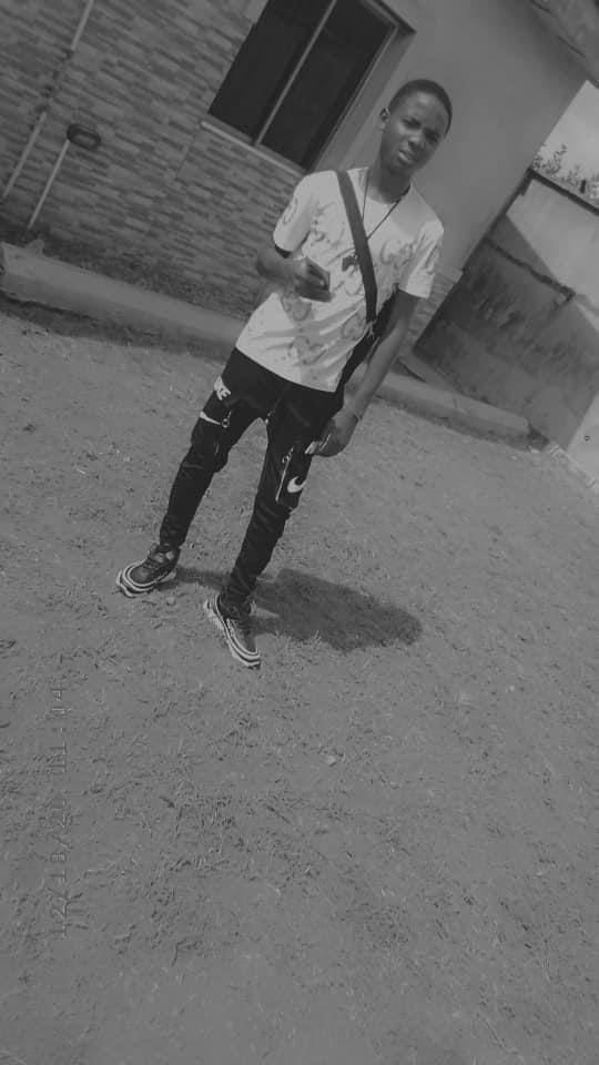Tolani Oguntade (@tolatt)