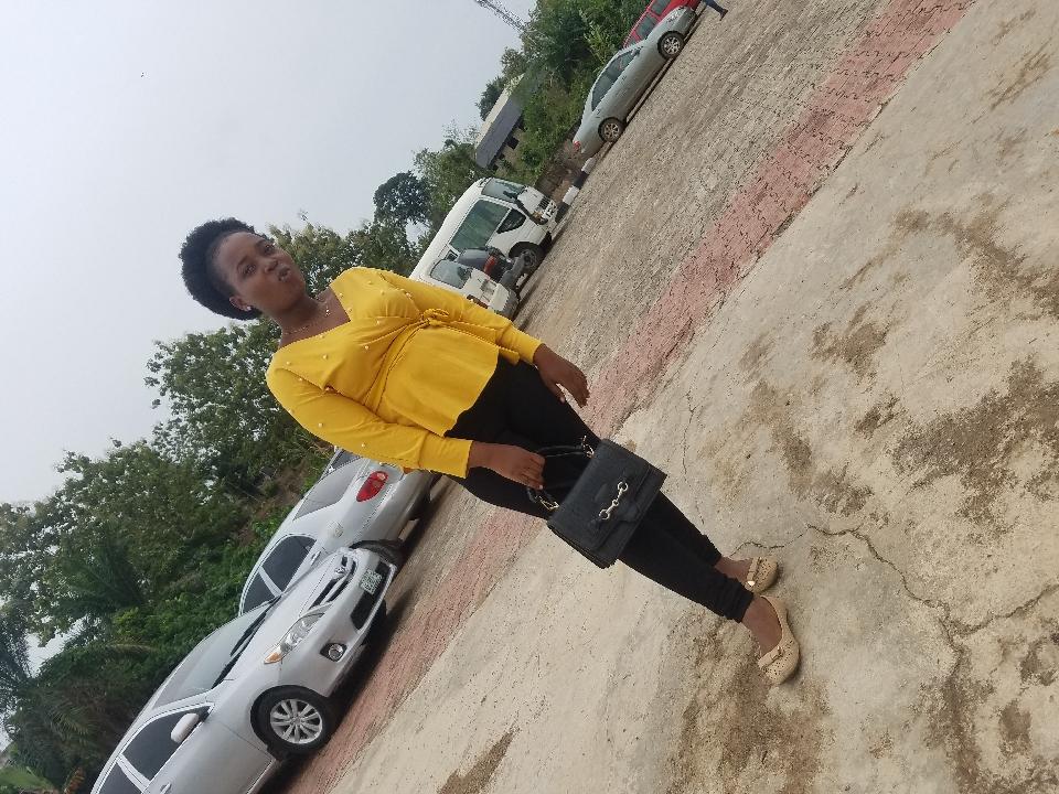 Oluwapelumi Ayoola (@oluwapelumiayoola)