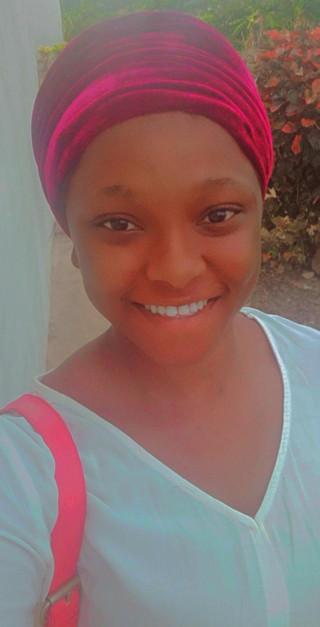 Feranmi Olusegun (@olufé156)
