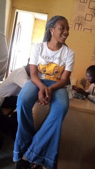 ADeyemi bisola (@bisolar)