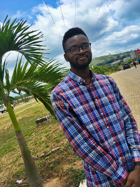 Pelumi Adedeji (@thepelums)