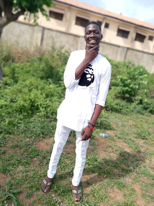 Alayande Samuel Oluwapelumi (@alayandesamueloluwapelumi)