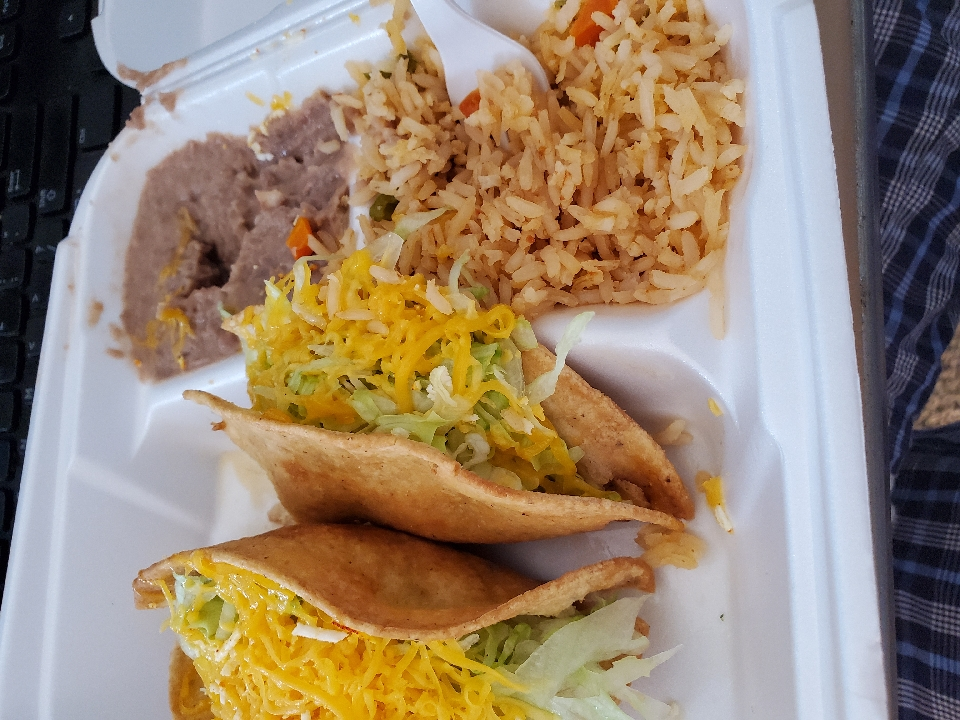 Yummy Chicken Taco combination plate.