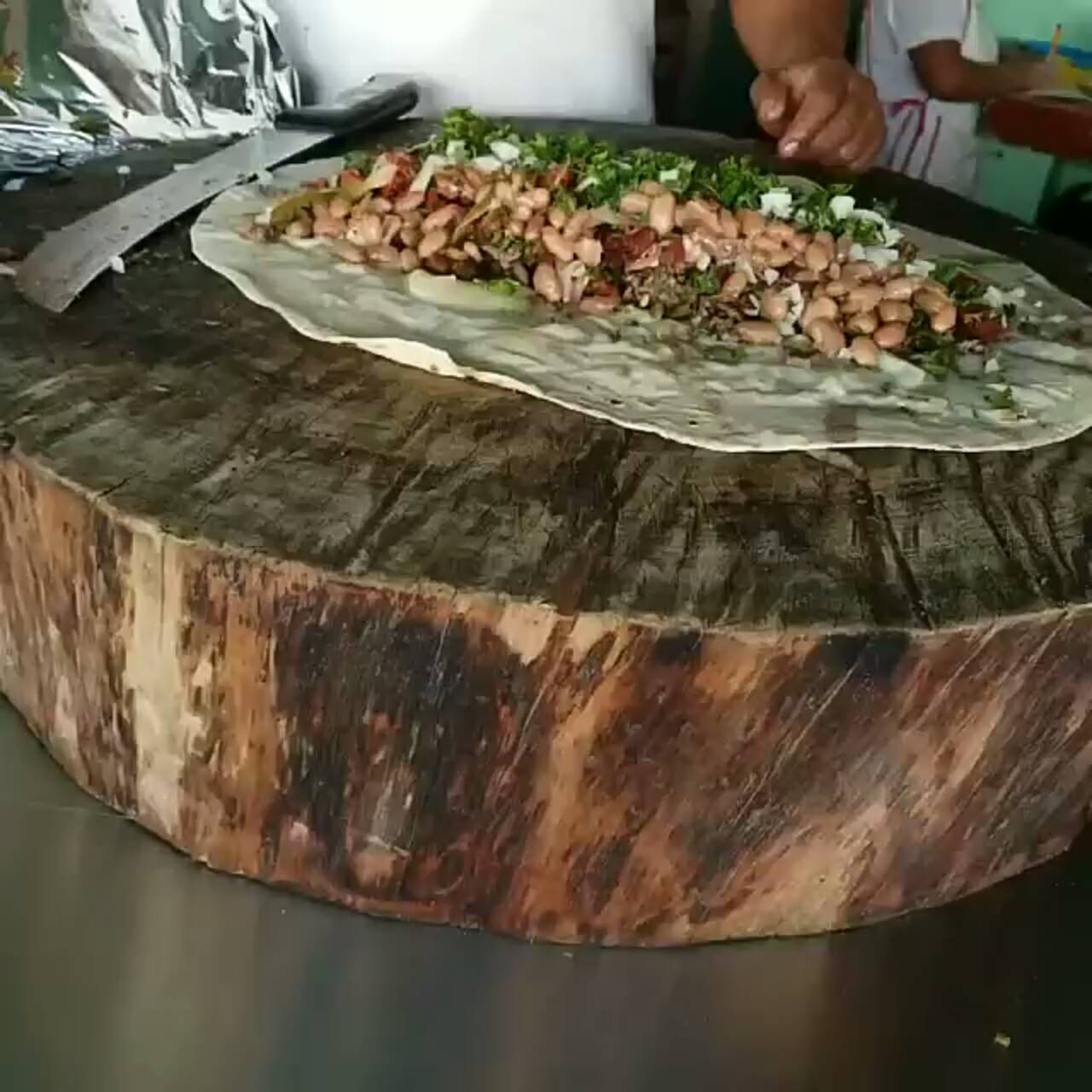 #bigburritomaking #addingtoppings