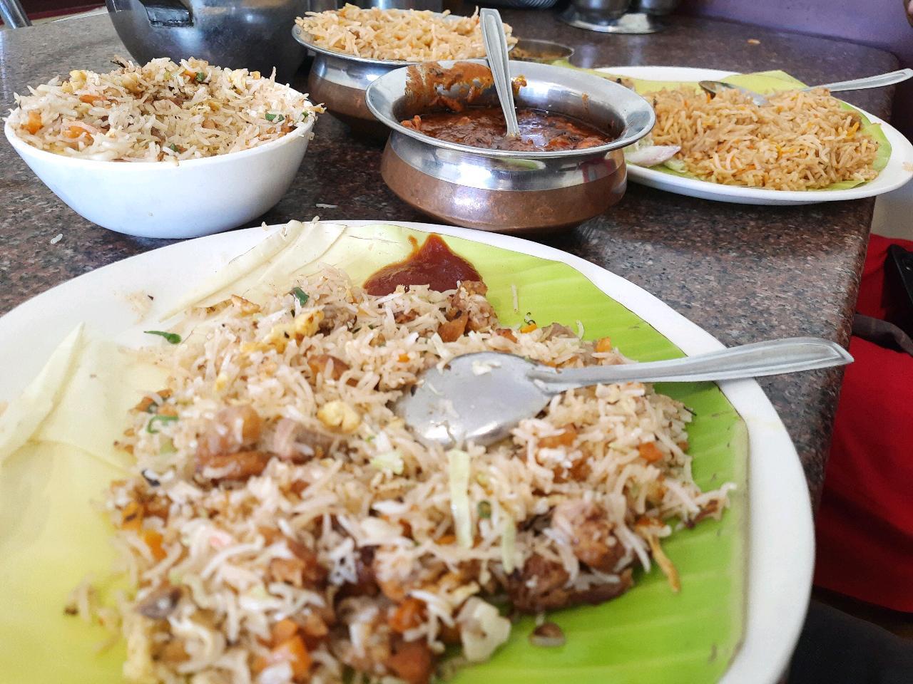 chicken rice+ chicken briyaani+ Butter chicken = Best combo ever 😍😍😍