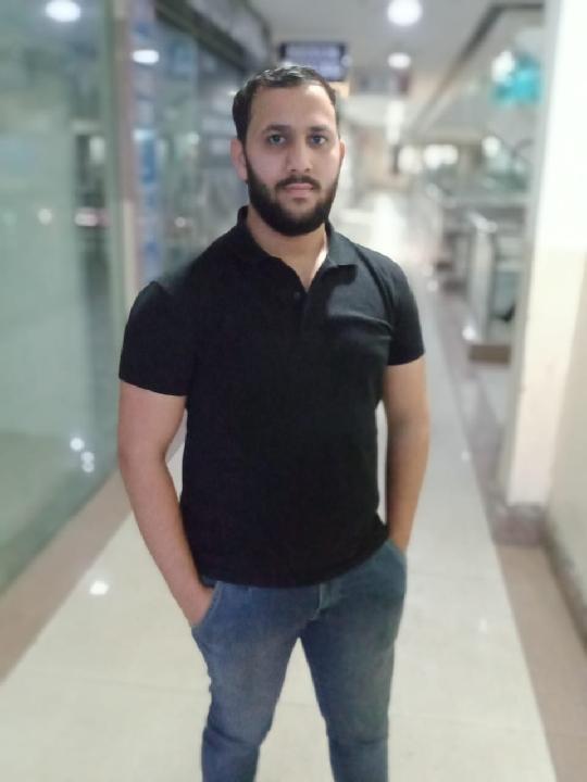 Ashutosh Bhardwaj (@kingashutosh)