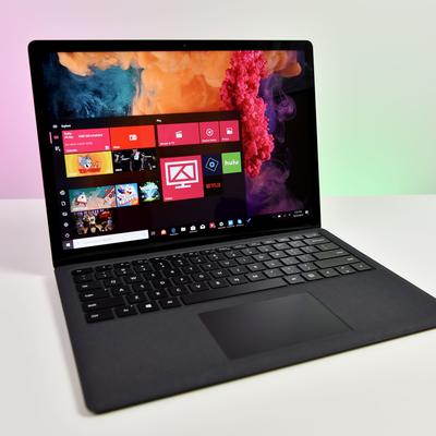 Microsoft Surface Laptop 2 (Intel i5, 8GB RAM, 128GB)