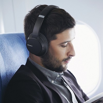 Sony WH-CH700N Bluetooth noise-cancelling headphones black or blue