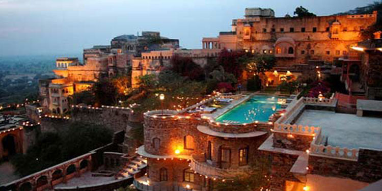 Impress your love with an  luxurious day trip to the 15th century Neemrana fort