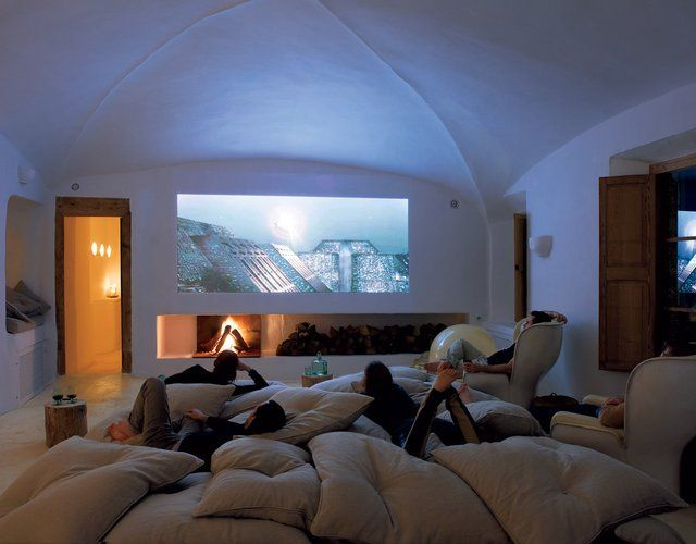 Set-up a big screen movie evening with food cooked and presented by a private chef!
