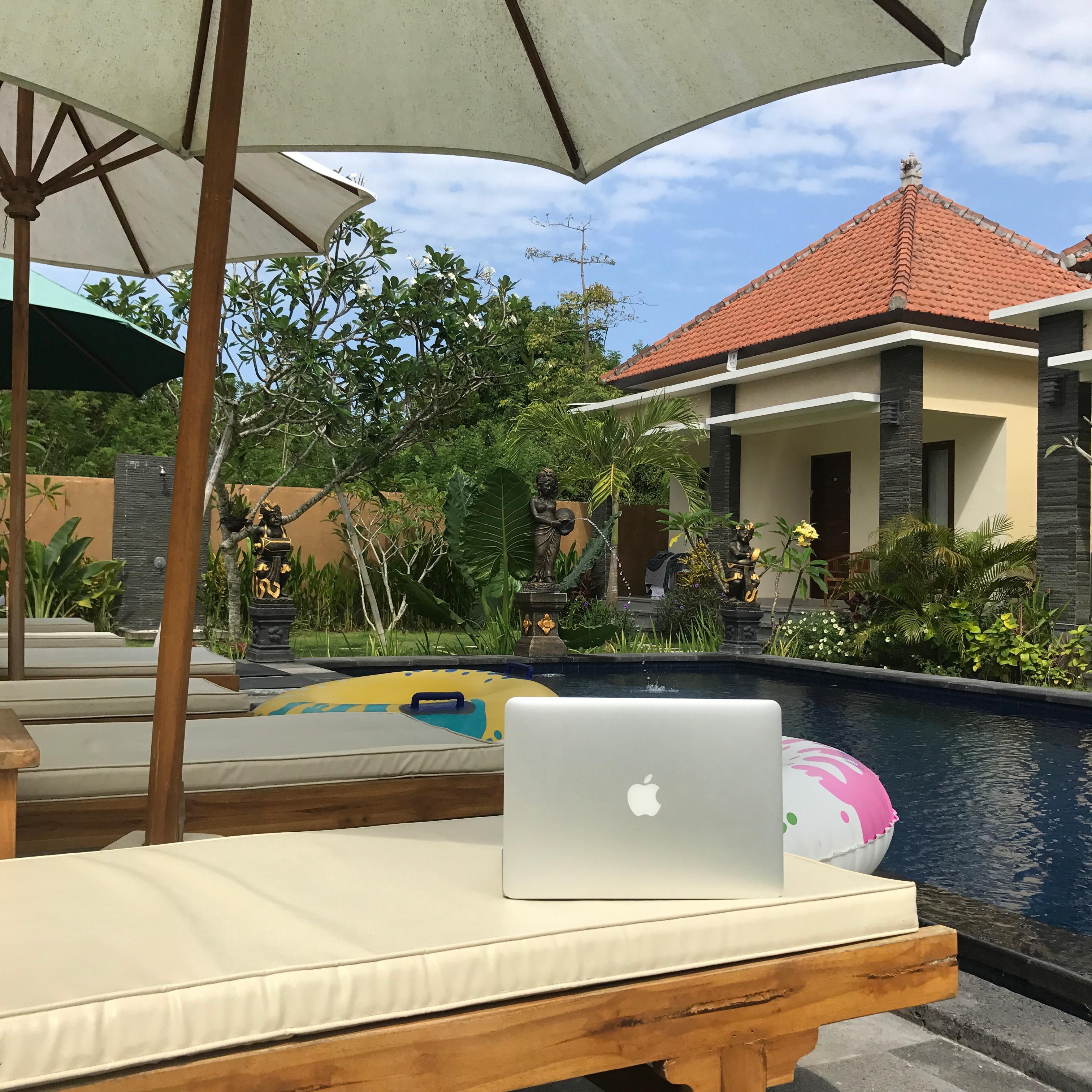 laptop pool