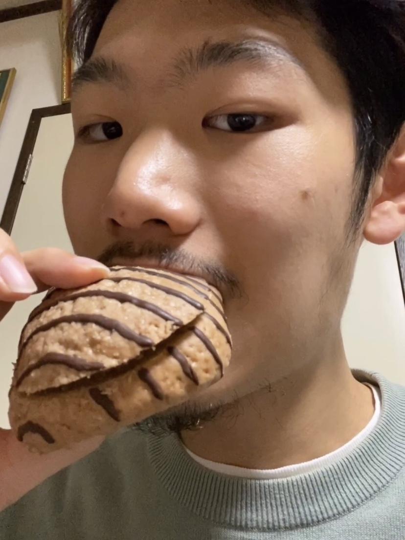 Thumbnail of 甘すぎるチョコレートクリームのメロンパン