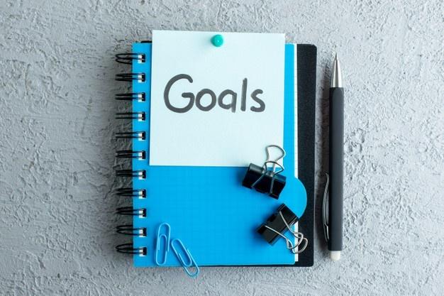 Viết nhật ký giúp bạn đạt được mục tiêu nhanh hơn - Nguồn ảnh: Freepick. Chỉnh sửa: undertrees.net