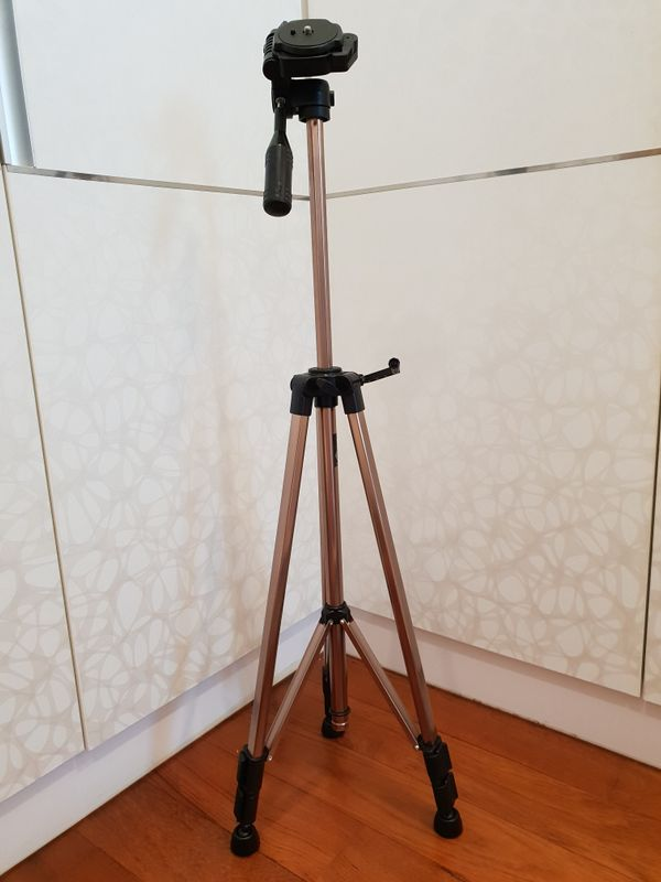 SL-800 Lightweight Video/Photo Tripod Stand