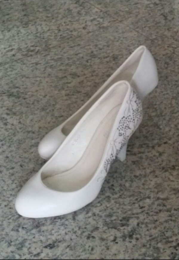 Anna Nucci Heels