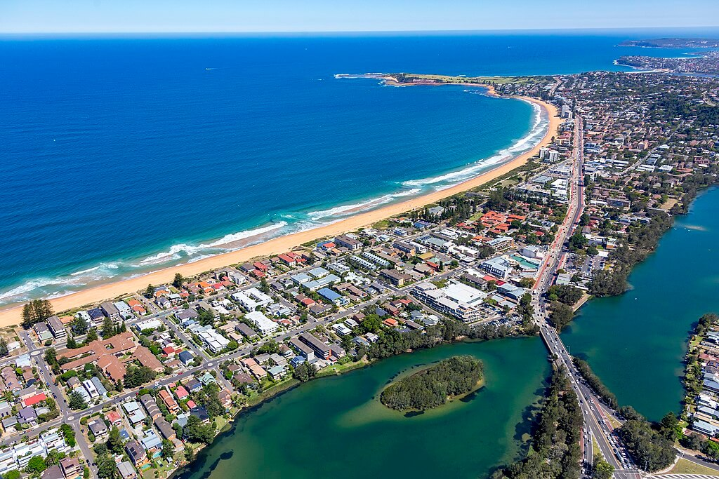 Holiday Rentals in Narrabeen Lagoon