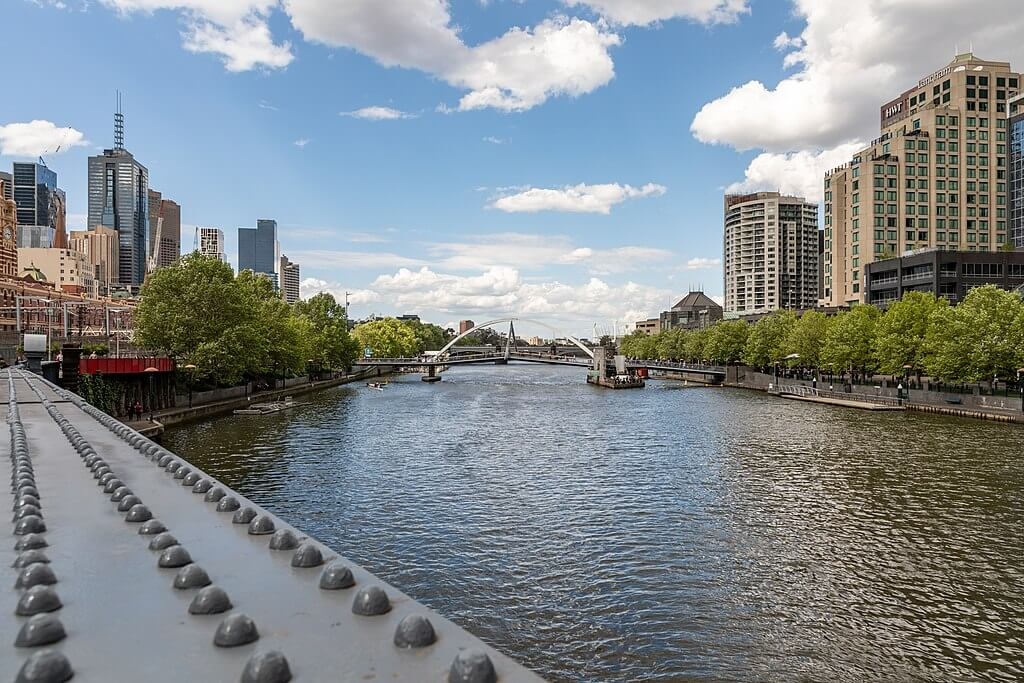 Holiday Rentals in Yarra River