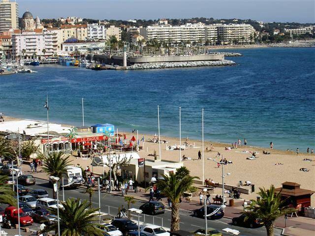 Locations de maisons de vacances à Fréjus - Plage