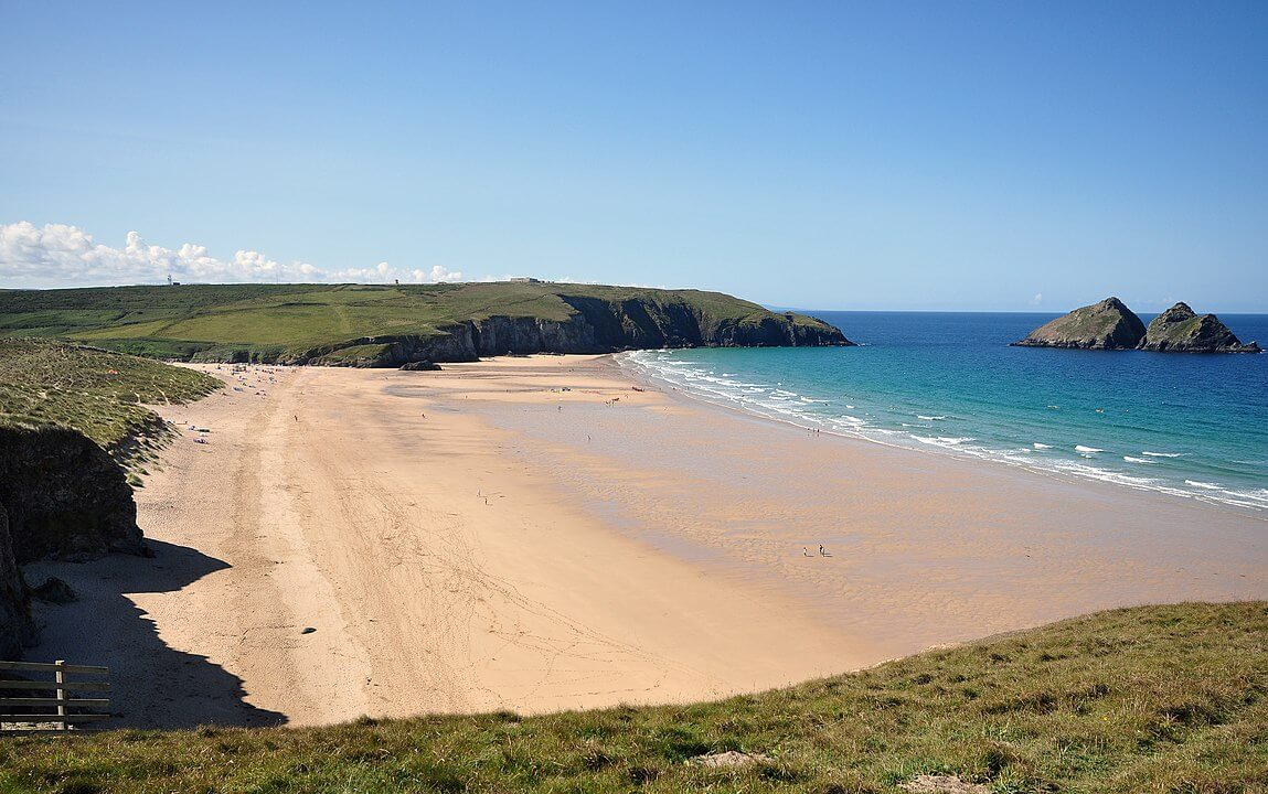 Holiday Rentals in Holywell  Bay
