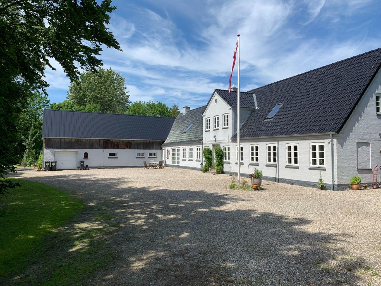Location: Ladegårdskov, Stine & Torben Sprenger