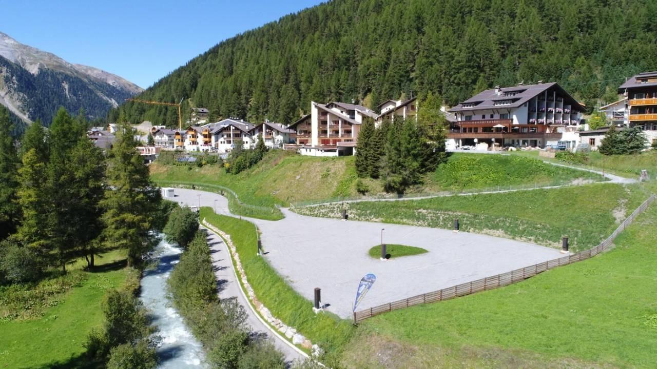 Location: Alpina Resort