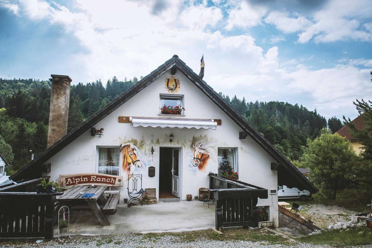 Location: Alpin Ranch